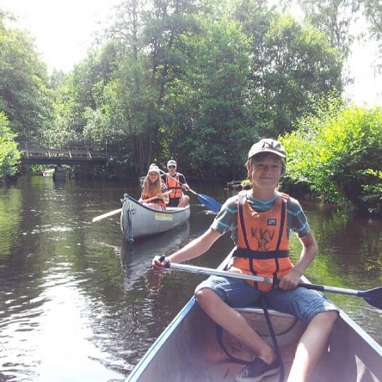 Underbar-dag-pa-Tidan-med-kanot