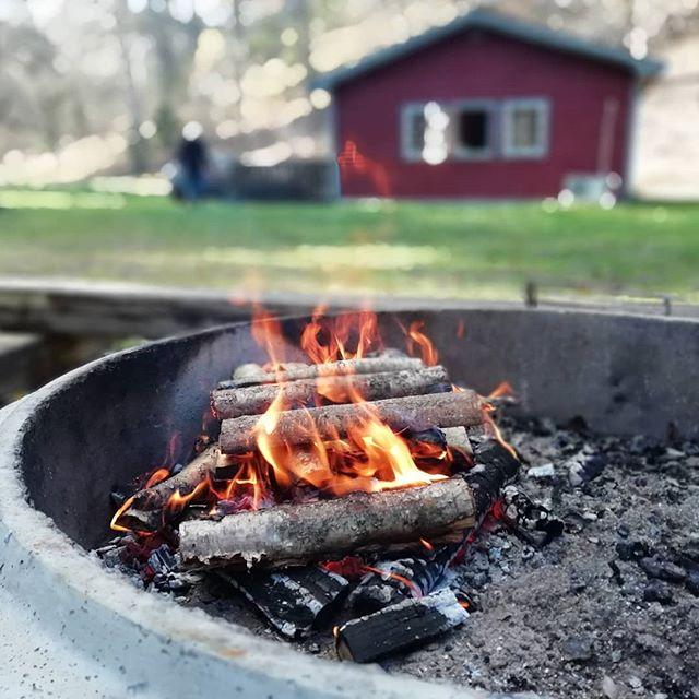 Lagerfeuer in Schweden,Kyrkekvarn. #kyrkekvarn #schweden #herbst #schwedenhaus